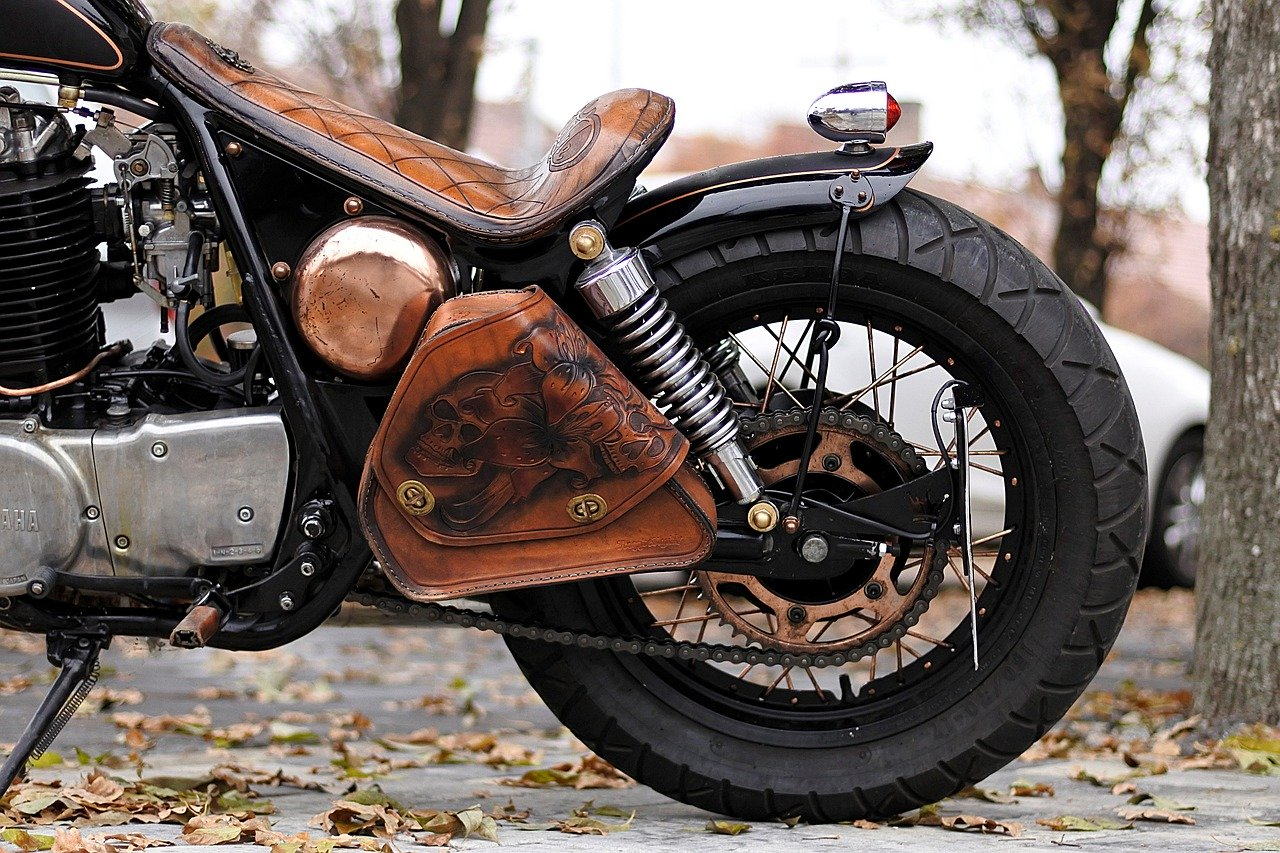 motorcycle-3082521_1280