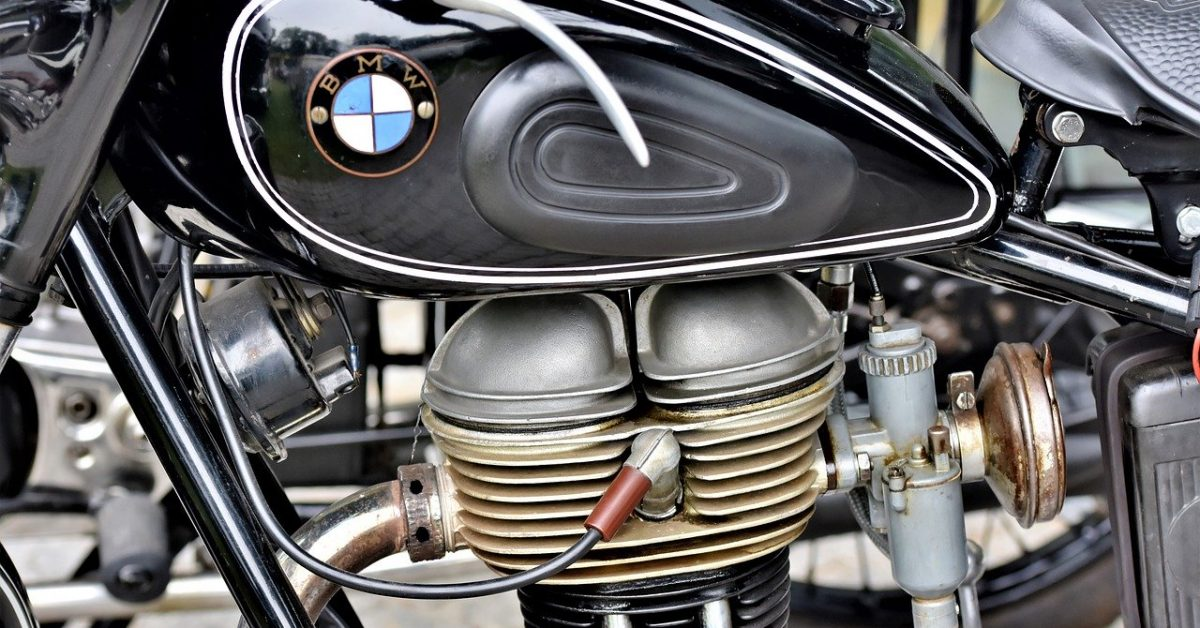 motorcycle-4497320_1280